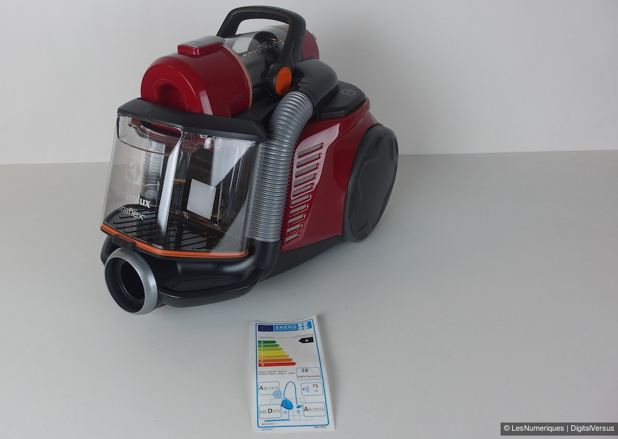 ultraflex les nouveaux aspirateurs sans sac d 39 electrolux. Black Bedroom Furniture Sets. Home Design Ideas