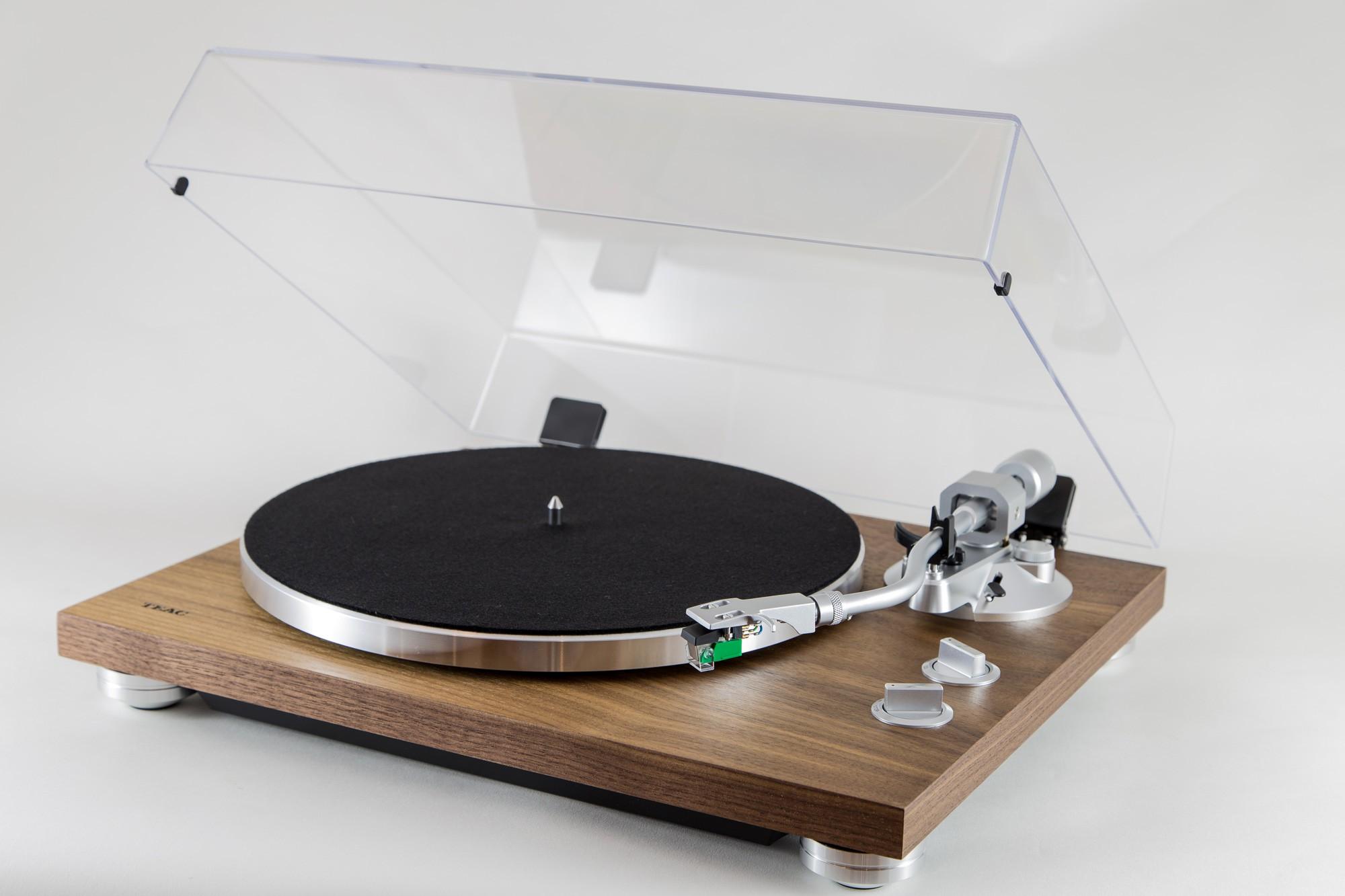 tn 400bt une nouvelle platine vinyle bluetooth chez teac. Black Bedroom Furniture Sets. Home Design Ideas
