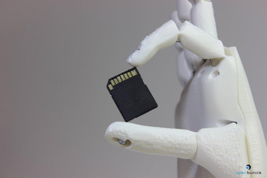 Prothèse de mains  robotisée©d'Open Bionics.jpg