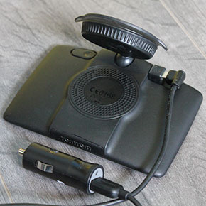 TomTom GO LIVE 825 Back 290px