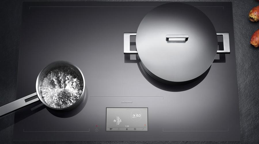 La table de cuisson Gaggenau série 400 se veut totalement flexible