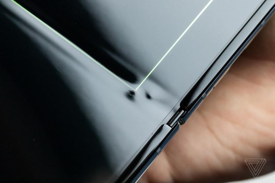 Samsung Galaxy Fold : les premiers déboires de l'écran pliable