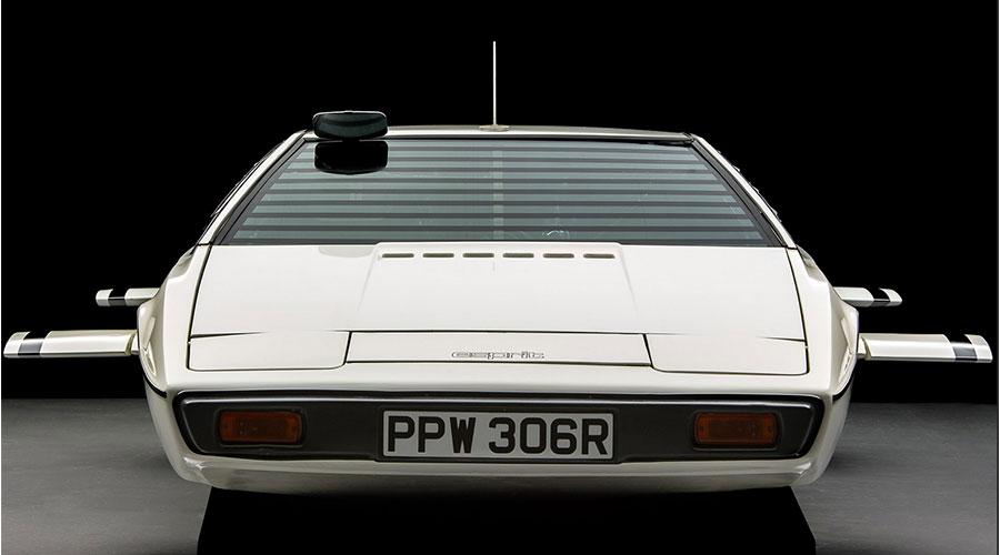 Selon Musk, Tesla a conçu une voiture amphibie sur la planche à dessin