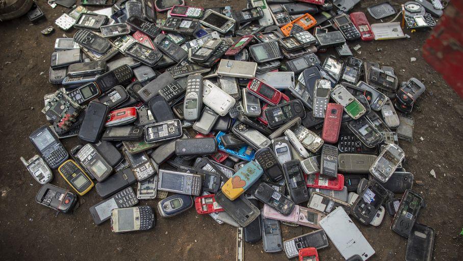 Prendre soin de son portable pour préserver la planète ! - Les Numériques