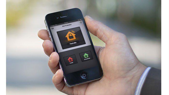 surveiller sa maison avec son smartphone gratuit surveiller sa maison avec son smartphone. Black Bedroom Furniture Sets. Home Design Ideas