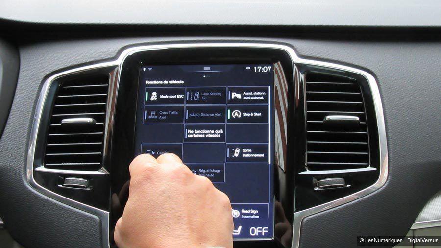 Volvo-XC90-commandes-WEB.jpg
