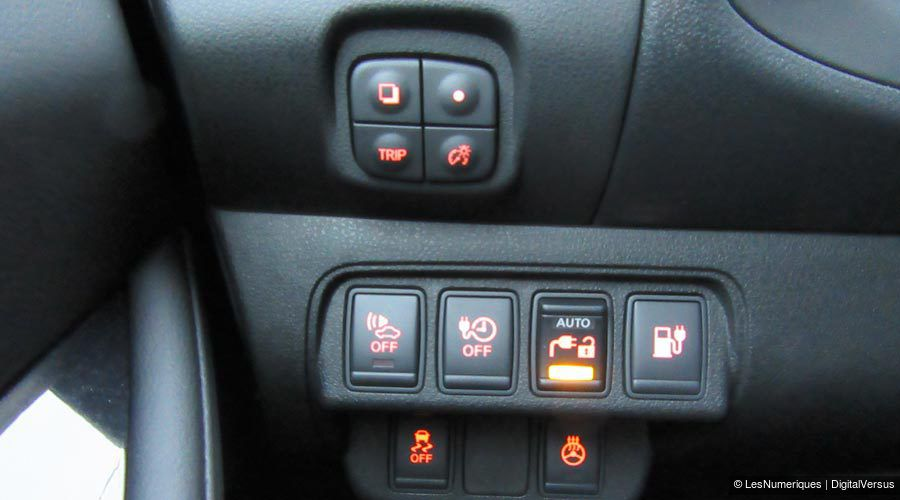 Nissan-Leaf-commandes-WEB.jpg