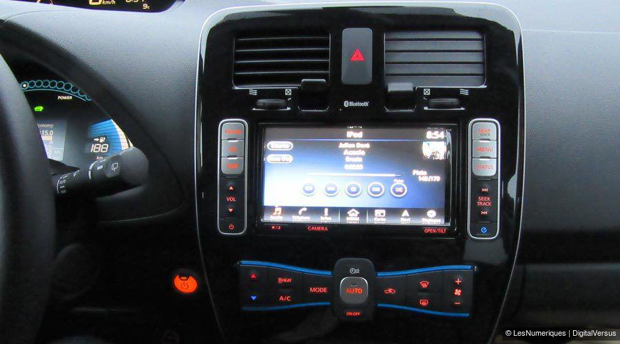 Nissan-Leaf-tactile-1-WEB.jpg