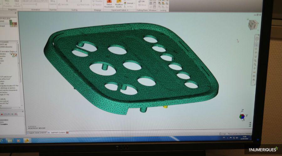 Dossier-Moulinex-robot-cuiseur-usine-pao-remplissage-moules.jpg