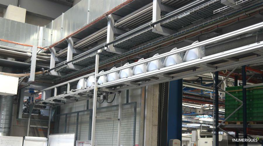 Thermomix-visite-usine-acheminement-coque-arriere.jpg