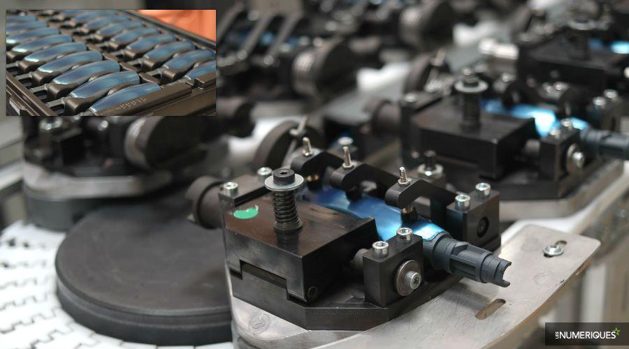 Thermomix-visite-usine-montage-verrouillage.jpg