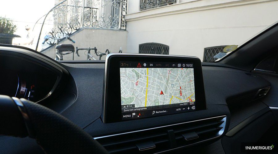 Peugeot-3008-Ecran_1-WEB.jpg