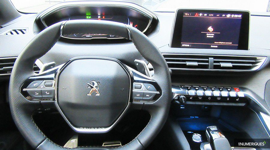 Peugeot-3008-PREZ-INT-WEB.jpg