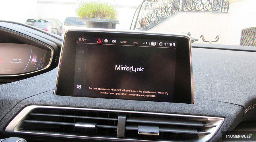 Peugeot-Mirror-Link-WEB.jpg