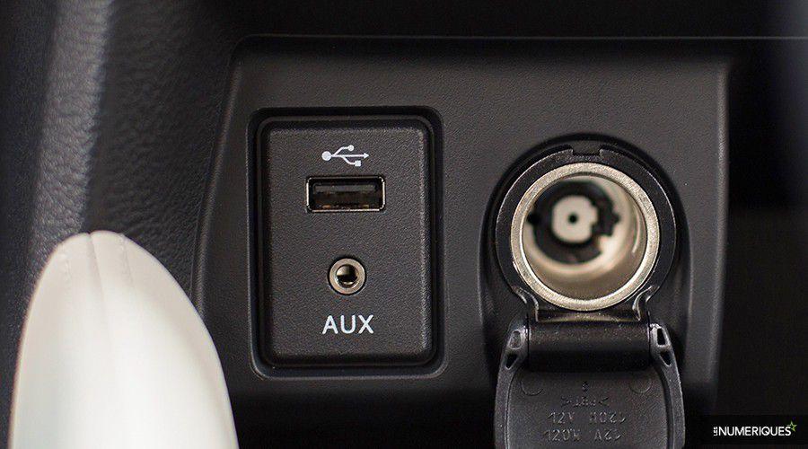 Nissan-Micra-Tekna-USB-WEB.jpg