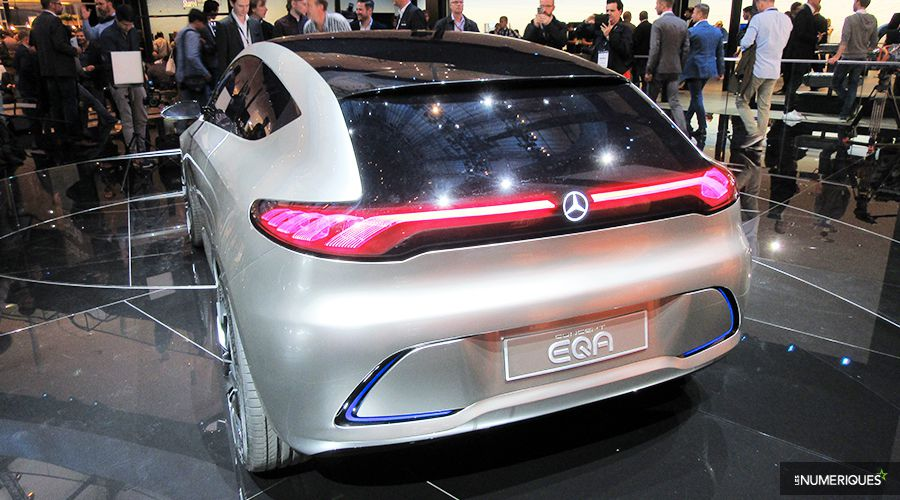 Mercedes-EQA-back-WEB.jpg