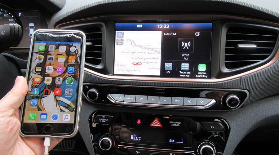 Hyundai-IONIQ-Carplay_2-WEB.jpg