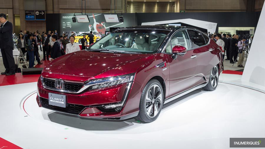 Honda Clarity Fuel Cell.jpg