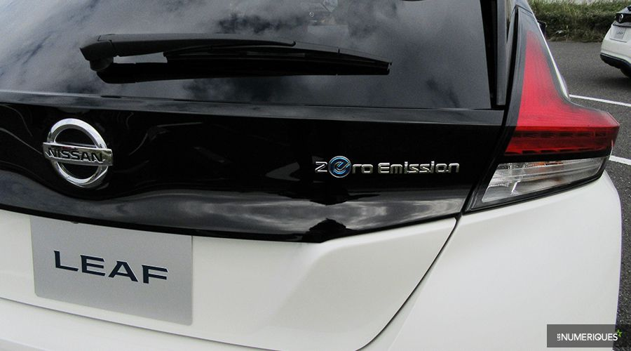 Nissan-Leaf-Tokyo17-logo-WEB.jpg