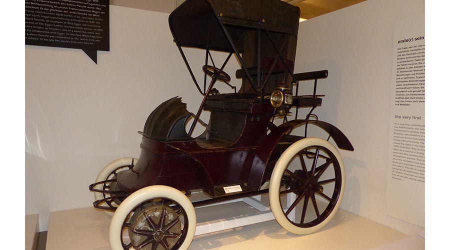 Lohner-Porsche-1900-WEB.jpg