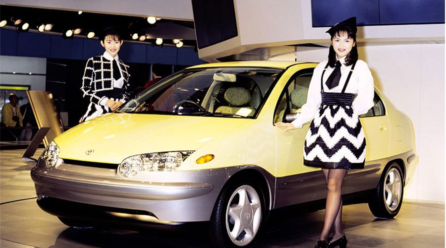 Toyota-Prius-Tokyo-1995-WEB.jpg