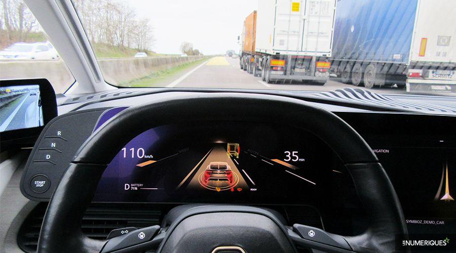 Renault-Symbioz-depassement-WEB.jpg