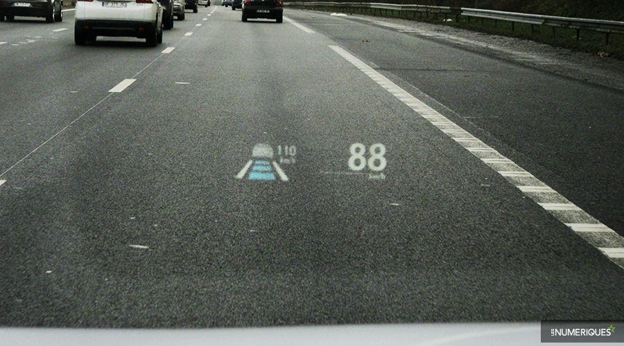 Lexus-NX300h-ACC-WEB.jpg