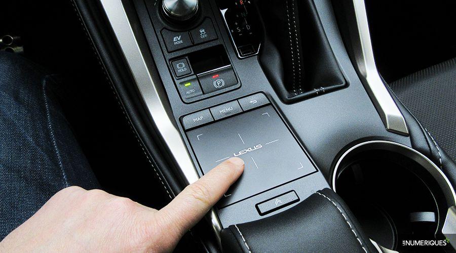 Lexus-NX300h-haptique-WEB.jpg