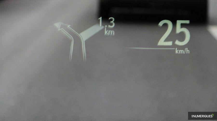 Lexus-NX300h-HUD-WEB.jpg