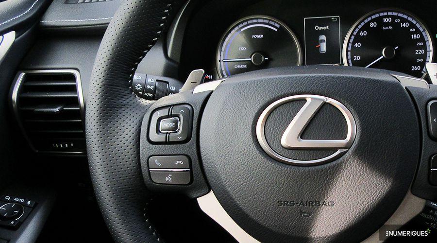 Lexus-NX300h-reco-vocale-WEB.jpg