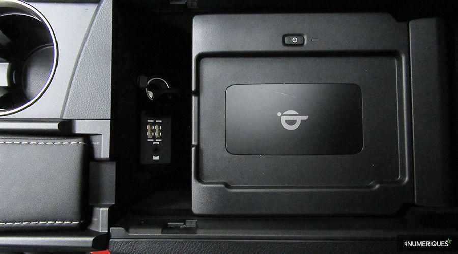 Lexus-NX300h-USB-WEB.jpg