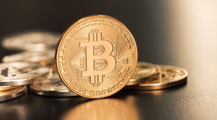 Bitcoin_iStock_Pixelfit_900.jpg