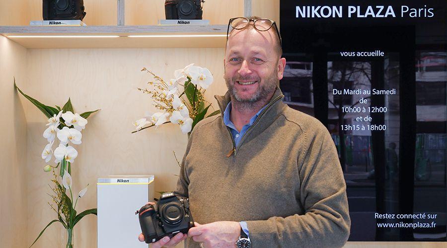 presentation-nikon-plaza-1.jpg
