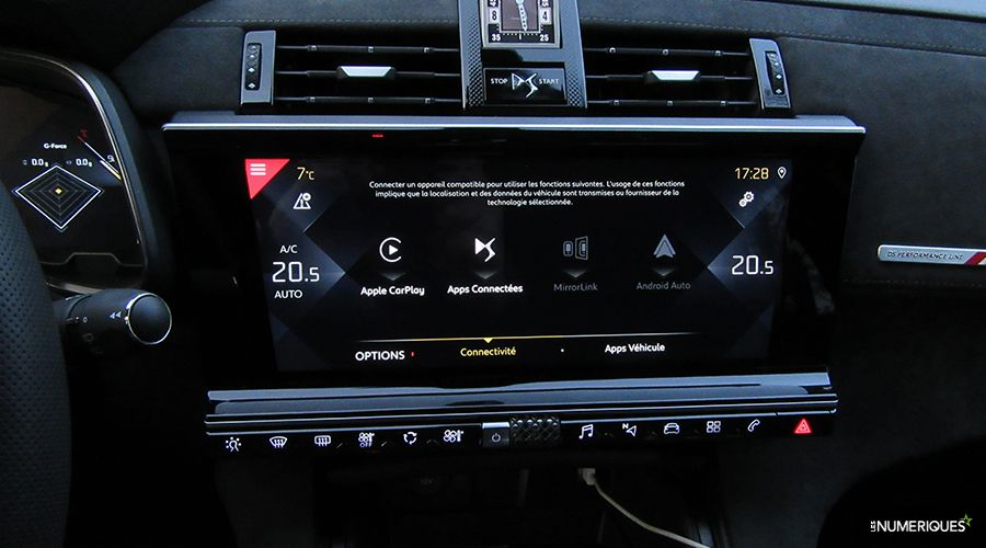 DS7-Crossback-carplay_1-WEB.jpg