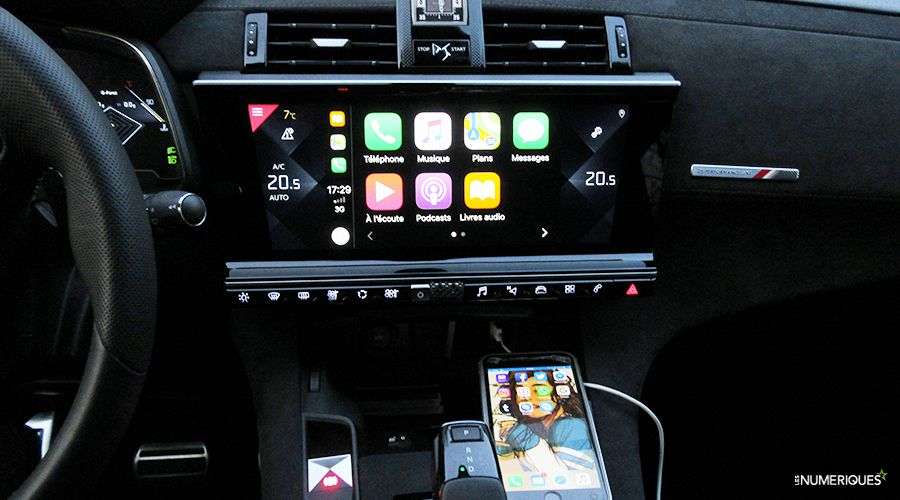 DS7-Crossback-Carplay_2-WEB.jpg