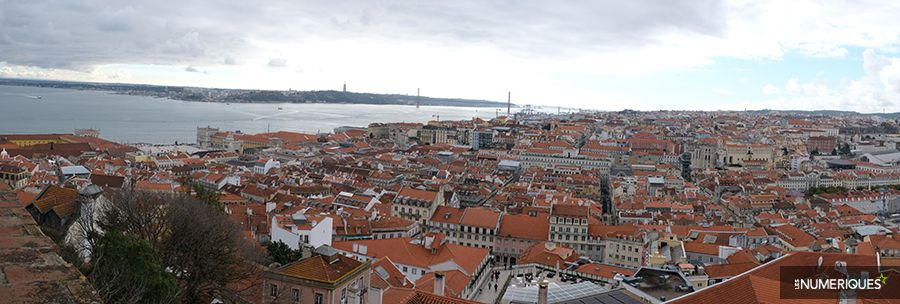 Comment faire une photo panoramique avec le mode Panoramique de son boîtier, exemple de paysage urbain dans son format d'origine. Photo Pascale Brites/Les Numériques