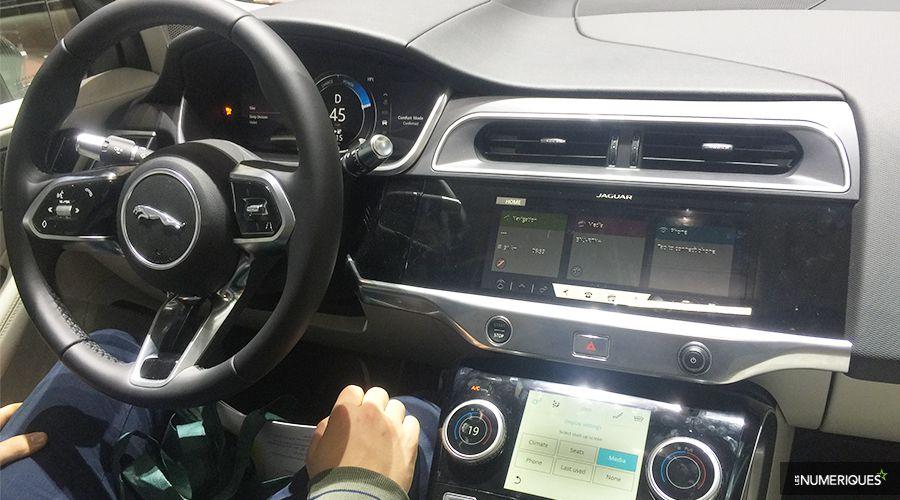 Jaguar-I-PACE-INSIDE-WEB.jpg