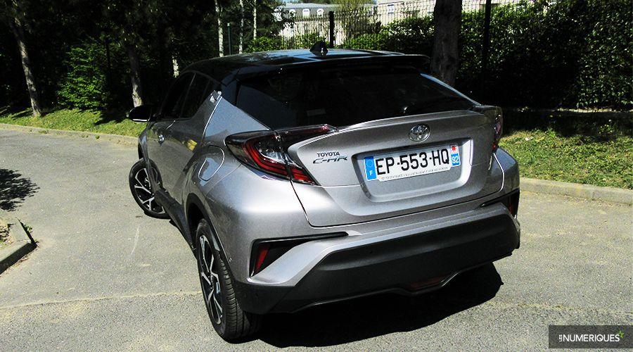 Toyota-CHR-PREZ_2-WEB.jpg