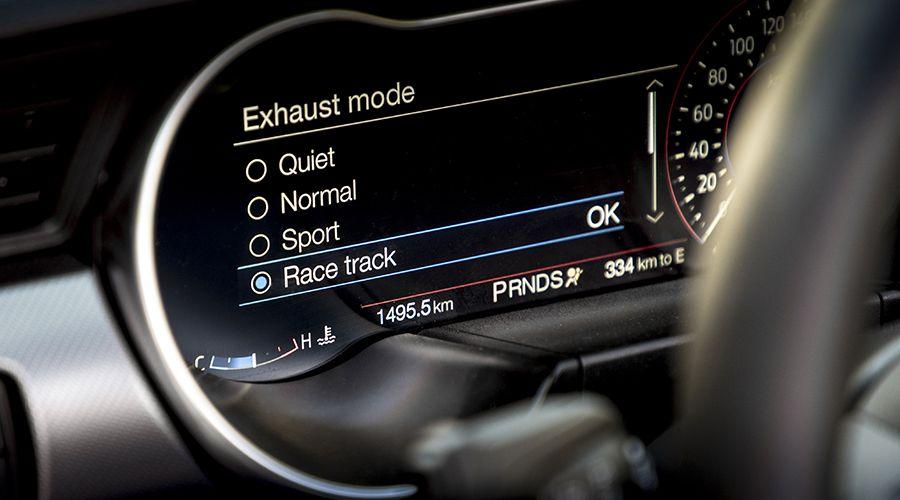 Ford-Mustang-echappement-WEB.jpg