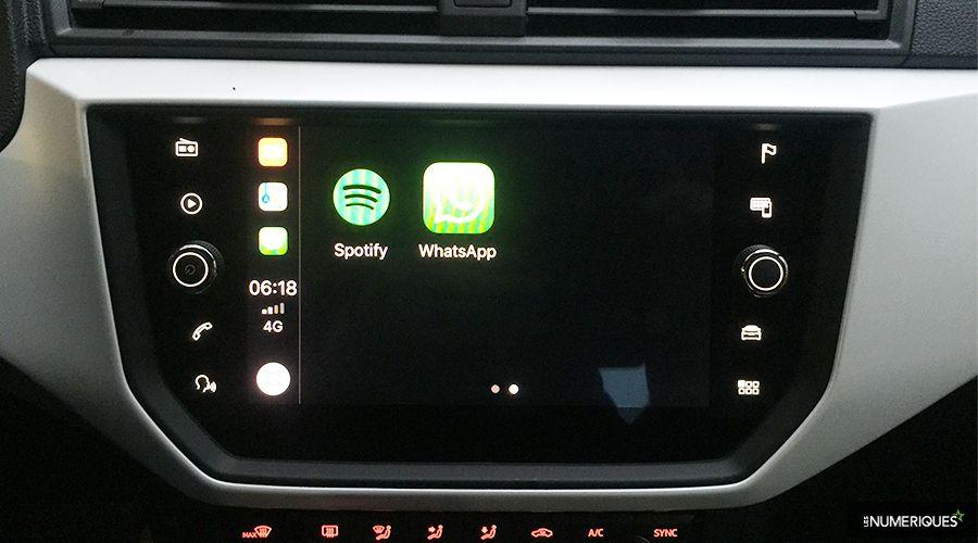 1_Seat-Arona-CarPlay_2-WEB.jpg
