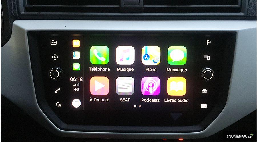Seat-Arona-CarPlay_1-WEB.jpg