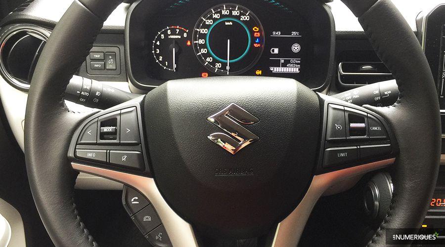 Suzuki-IGNIS-volant_1-WEB.jpg