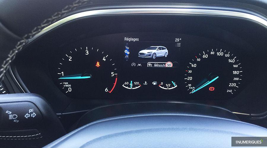 Ford-Focus-Dashboard-WEB.jpg