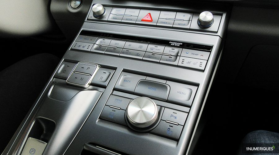 Hyundai-Nexo-console-WEB.jpg