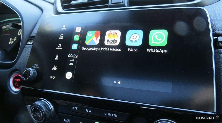 Honda-CRV-Hybrid-Apple_2-WEB.jpg