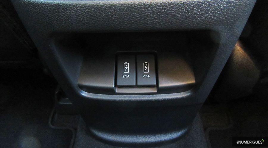 Honda-CRV-Hybrid-USB-WEB.jpg