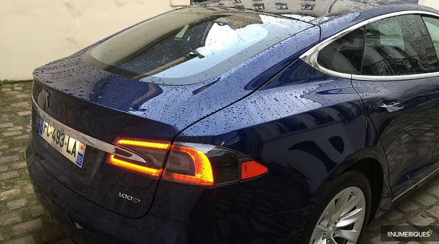Tesla-Model-S-back-WEB.jpg