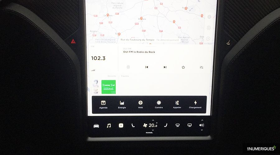 Tesla-Model-S-interface_2-WEB.jpg