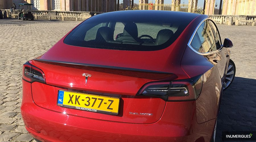 Tesla-Model-3-2019-vitre-WEB.jpg