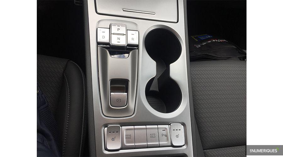 Hyundai-EV-console-WEB.jpg